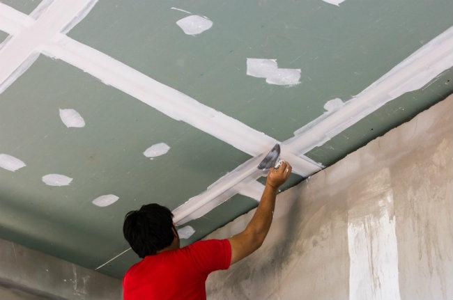 правильная шпаклевка потолка