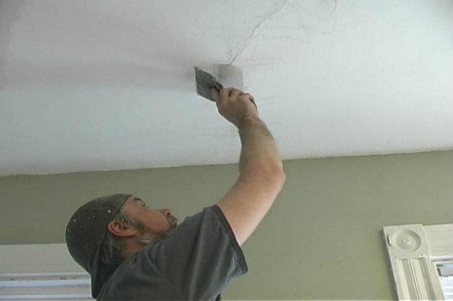 ремонт дыр в потолке из гипсокартона