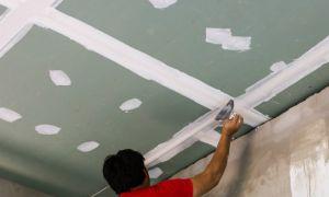 Как выровнять потолок гипсокартоном без каркаса – технологии и этапы работ