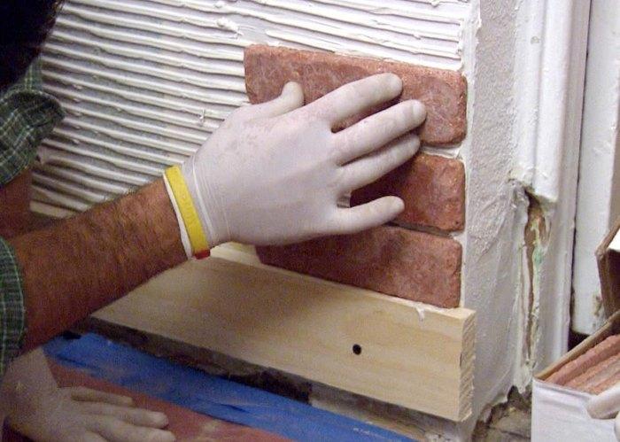 Укладка гипсовой плитки под кирпич