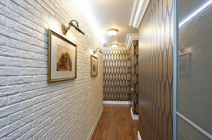 Гипсовые кирпичики на стенах